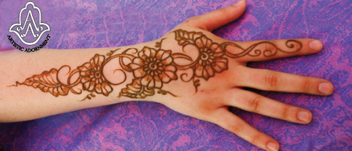 Does A Henna Tattoo Cost: How To Price Your Designs!