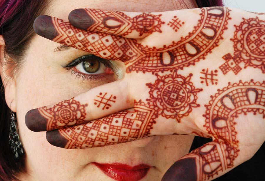 henna powder and henna tattoo kits, professional henna supplies - Artistic Adornment